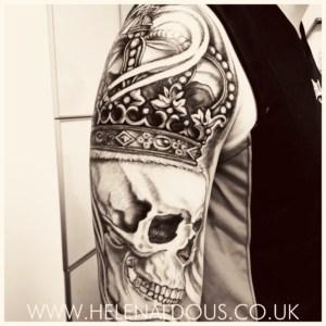 Skull Crown Sleeve
